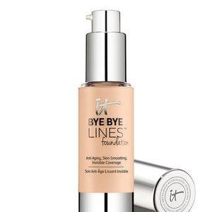 It Cosmetics Bye Bye Lines Foundation in Light